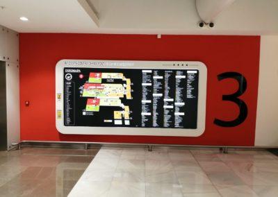 Informační mapy v nákupním centru.